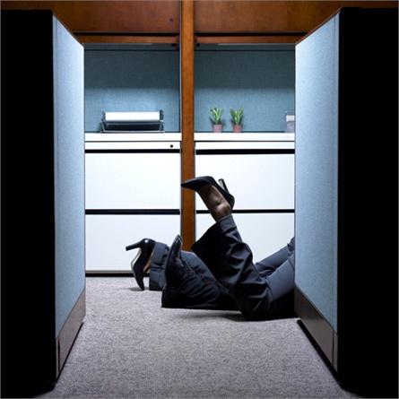 Innamorarsi sul posto di lavoro  meglio lasciar perdere o viverlo ... 4b0f1fa3ab4